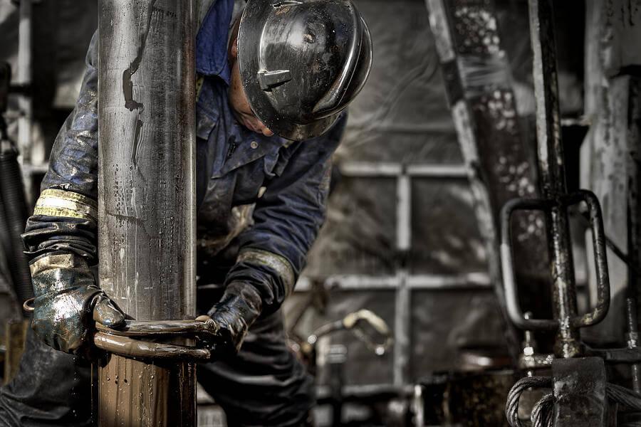 Petrol platformlarında çalışmak için gereken şartlar nelerdir?